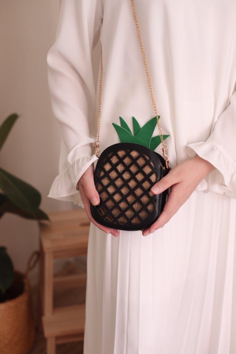 Ananas Hasır Keseli Siyah Çanta